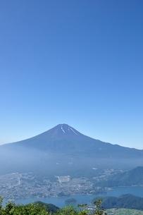 夏富士山コピースペースの写真素材 [FYI04294756]