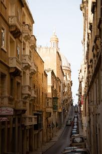 マルタ世界遺産旧市街の坂道の写真素材 [FYI04294919]