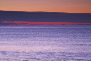 朝の海の写真素材 [FYI04295045]