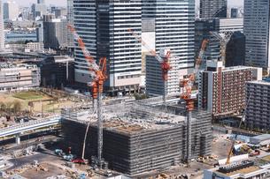 東京湾岸エリアの建設現場の写真素材 [FYI04295085]