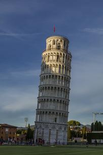 イタリア、ピサの斜塔の写真素材 [FYI04295144]