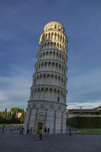 イタリア、ピサの斜塔の写真素材 [FYI04295146]