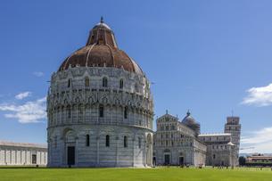 イタリア、ピサの大聖堂の写真素材 [FYI04295173]