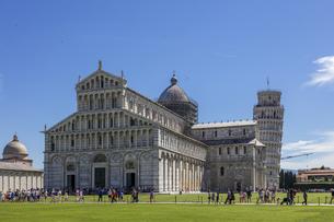 イタリア、ピサの大聖堂の写真素材 [FYI04295175]