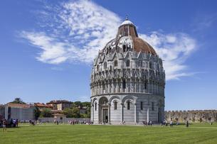 イタリア、ピサ、サンジョバンニの洗礼堂の写真素材 [FYI04295217]