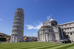 イタリア、ピサの斜塔の写真素材 [FYI04295219]