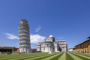 イタリア、ピサの斜塔の写真素材 [FYI04295262]