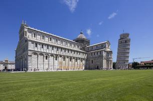 イタリア、ピサの大聖堂の写真素材 [FYI04295356]