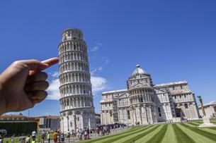 イタリア、ピサの斜塔の写真素材 [FYI04295408]