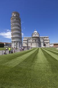 イタリア、ピサの斜塔の写真素材 [FYI04295409]
