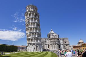イタリア、ピサの斜塔の写真素材 [FYI04295415]