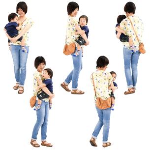人物切り抜き添景素材 女性母親親子赤ちゃん乳児男の子 歩く 白バックの写真素材 [FYI04295725]