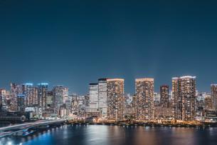 東京湾岸エリアの夜景の写真素材 [FYI04295774]