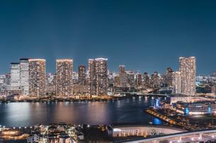 東京湾岸エリアの夜景の写真素材 [FYI04295775]