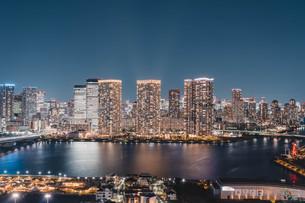東京湾岸エリアの夜景の写真素材 [FYI04295776]