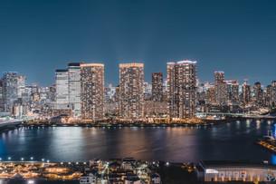 東京湾岸エリアの夜景の写真素材 [FYI04295781]
