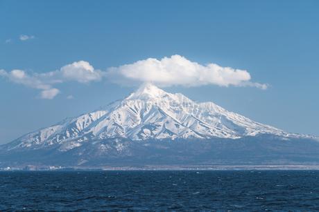 フェリーからの利尻富士の写真素材 [FYI04295979]