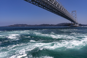 観潮船からの鳴門渦潮の写真素材 [FYI04296110]