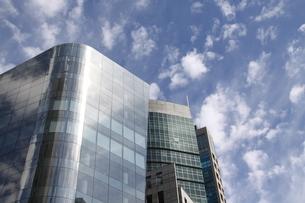 サンパウロのガラス張りのオフィスビルの写真素材 [FYI04297663]