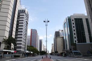 新型コロナウイルスの影響で人影が少ないサンパウロ市の写真素材 [FYI04297676]
