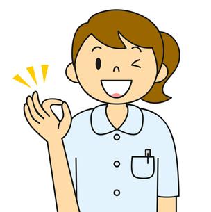 白衣姿の若い女性 OKポーズ イラストのイラスト素材 [FYI04299537]