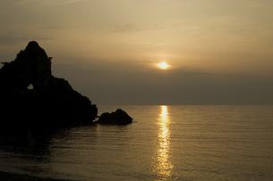夕日の写真素材 [FYI04300306]