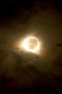 金環日食 2012年5月 日本 Annular solar eclipse 太陽 月の写真素材 [FYI04300891]