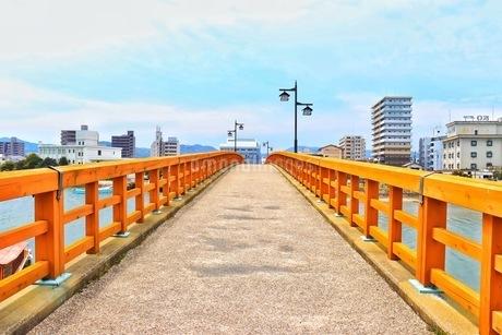唐津城の城内橋の写真素材 [FYI04301026]