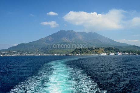 桜島 桜島フェリーからの眺めの写真素材 [FYI04301902]