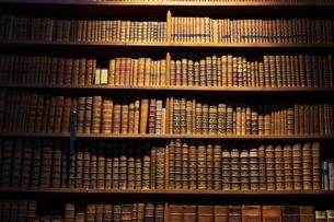 オーストリア国立図書館 本棚 ウィーンの写真素材 [FYI04302070]