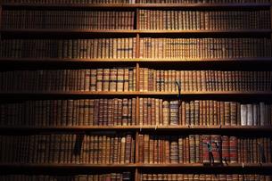 オーストリア国立図書館 本棚 ウィーンの写真素材 [FYI04302072]