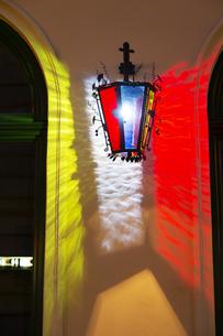 ウィーン旧市街(ウィーン歴史地区)街灯 オーストリアの写真素材 [FYI04302086]