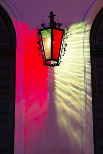 ウィーン旧市街(ウィーン歴史地区)街灯 オーストリアの写真素材 [FYI04302092]