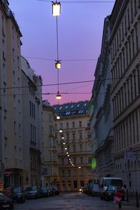 朝焼けのウィーン旧市街 オーストリアの写真素材 [FYI04302098]