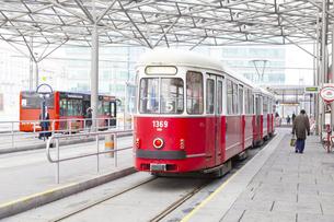 ウィーンのトラム(ウィーン市電) オーストリアの写真素材 [FYI04302111]