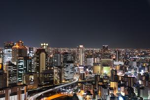 都市の夜景の写真素材 [FYI04302239]