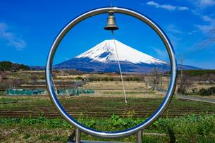 パノラマロードから富士山の写真素材 [FYI04302618]