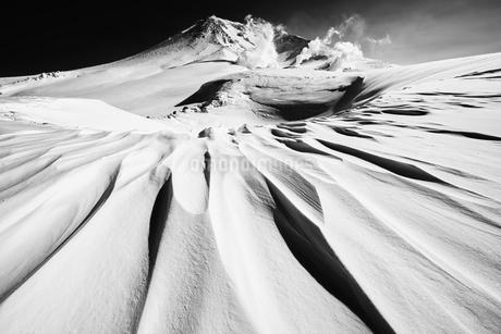 旭岳のシュカブラの写真素材 [FYI04303152]