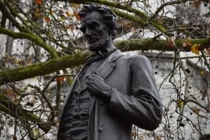 ロンドンのエイブラハム・リンカーン大統領立像の写真素材 [FYI04304060]