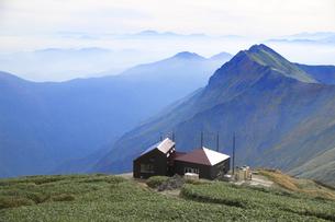 日本100名山 谷川岳山頂の山小屋 肩ノ小屋の写真素材 [FYI04304513]