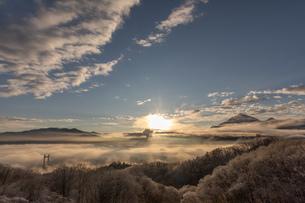 雪と雲海の写真素材 [FYI04304526]