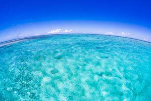 青空と海の写真素材 [FYI04305100]