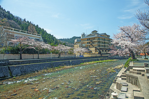 春のあつみ温泉の写真素材 [FYI04305166]