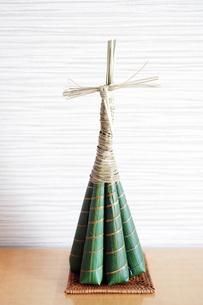5月5日の端午の節句の男の子の日に食べるちまき  Japanese style confection    cake wrapped with bamboo leavesの写真素材 [FYI04305424]