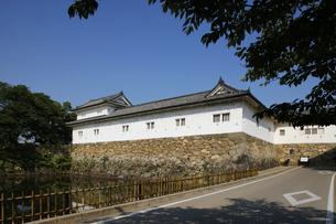 日本100名城の彦根城 中堀と重要文化財の沢和口多聞櫓の写真素材 [FYI04305613]