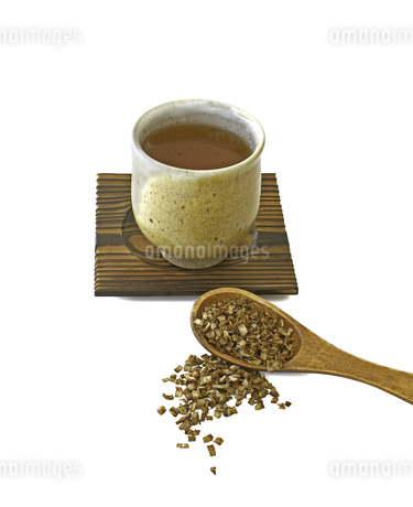 ごぼう茶と乾燥ごぼうの写真素材 [FYI04306261]