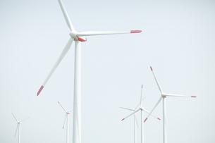 空と風力発電の写真素材 [FYI04306338]