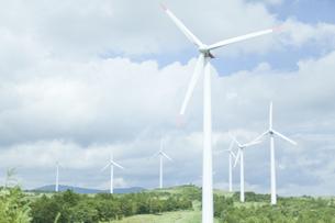 空と風力発電の写真素材 [FYI04306343]