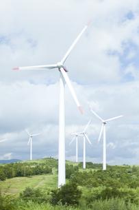 空と風力発電の写真素材 [FYI04306345]