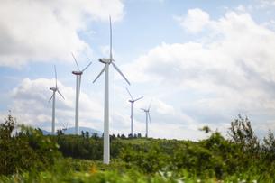 空と風力発電の写真素材 [FYI04306349]